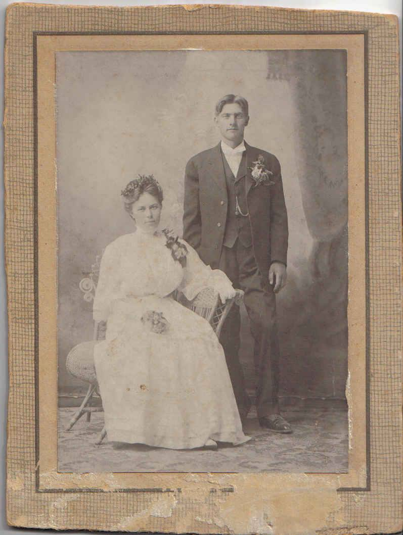 1908 Marie (Johnson) Larson (daughter of Thrine and Anton) with husband Bernt Lauritzen Dybvik from Agdenes, Norway (known in US as Ben Larson)